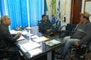 Carlinhos se reúne com comandante da PM e representante de vila