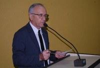 Roberto Dias solicita doação de terreno para instituto amambaiense